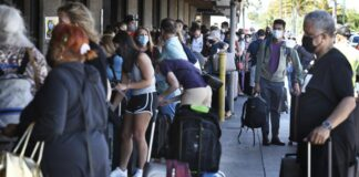 Maui mayor asks airlines for fewer tourists amid travel boom