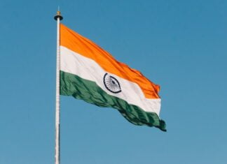 What are some facts about India ?