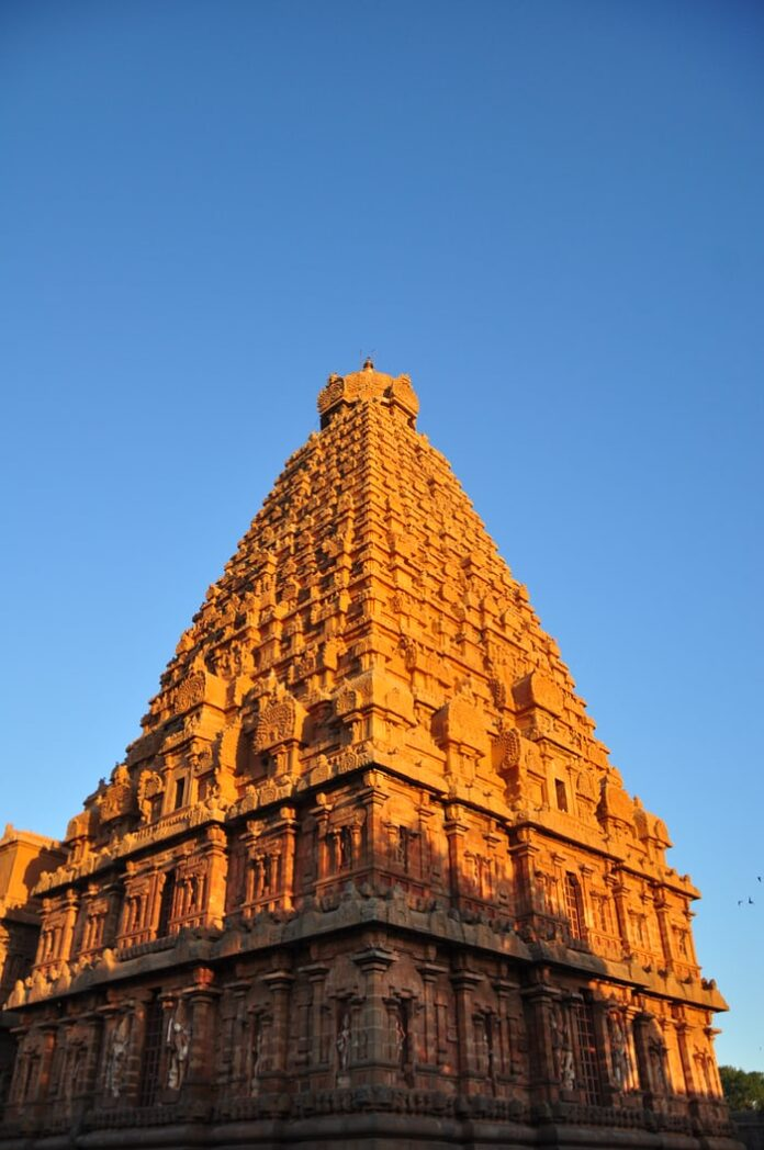 7 mysterious Indian temples